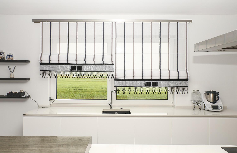 Jak zaaranżować okno nad zlewem kuchennym?